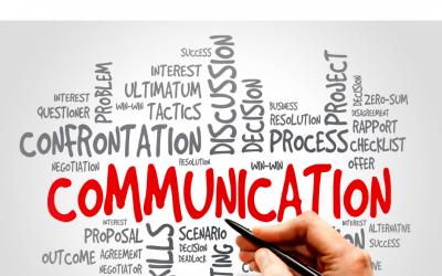 Pourquoi faut-il être doublement attentif à la communication avec son personnel ?
